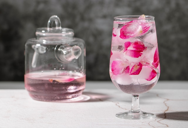 Rose Water Benefits, Uses and Side Effects