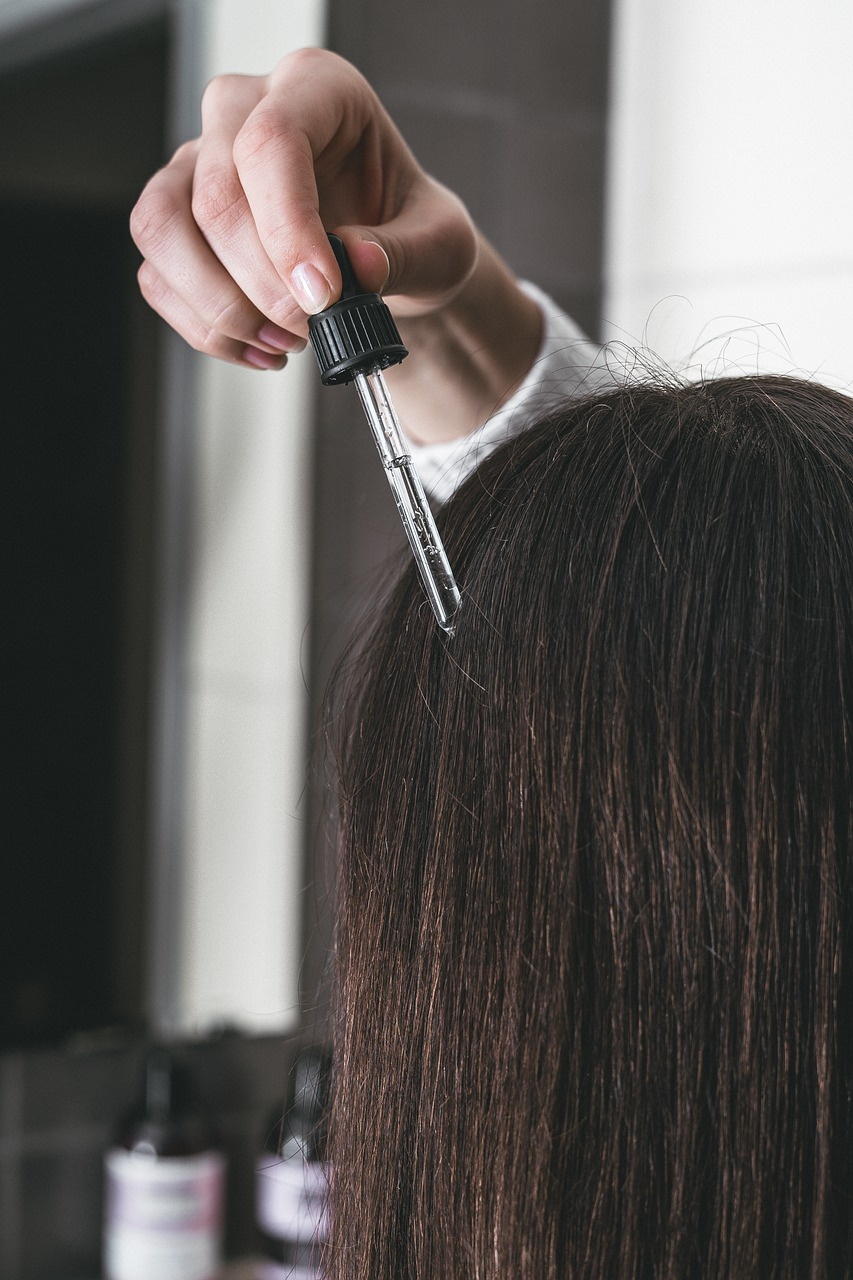 Hair Serum: Benefits, Uses, and Side Effects